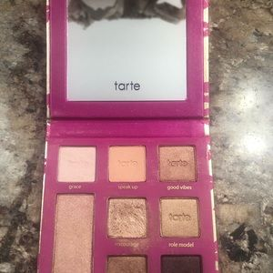"Tarte ""Leave your mark"" eye shadow pallet 0.112oz"